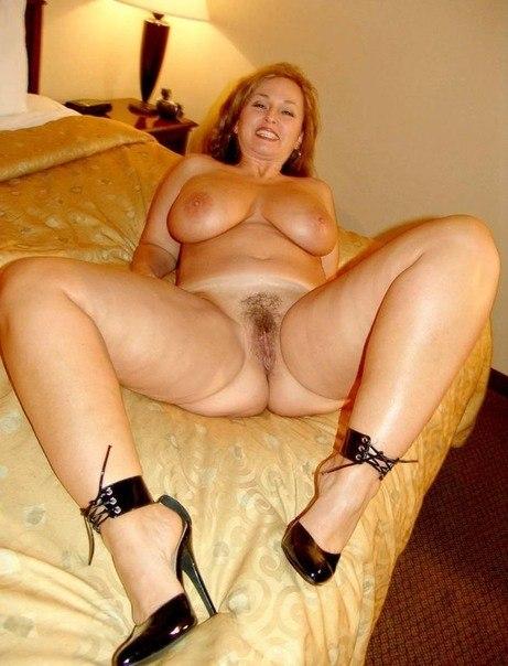 Фото пышных голых дам порно