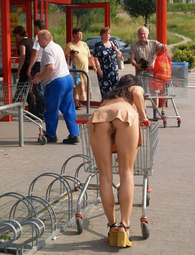 секс фото засветы женщин на улицах